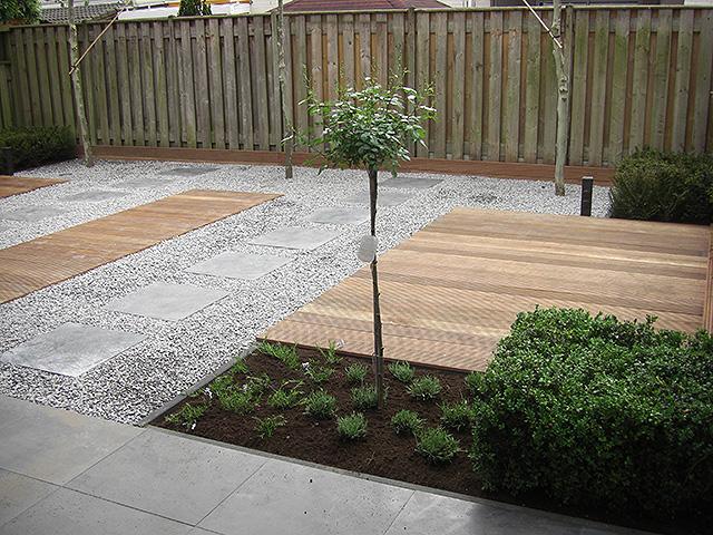 Tuinontwerpen kleine tuin foto s 100 images for Voorbeeldtuinen kleine tuin