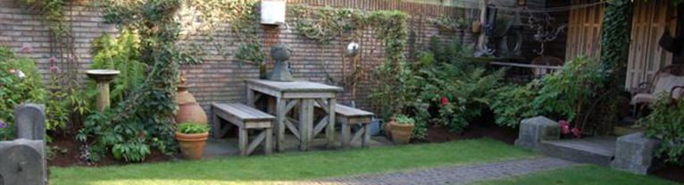 Hovenier best persoonlijke aandacht en vakmanschap for Kleine tuinontwerpen